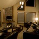 Creekside A Lounge